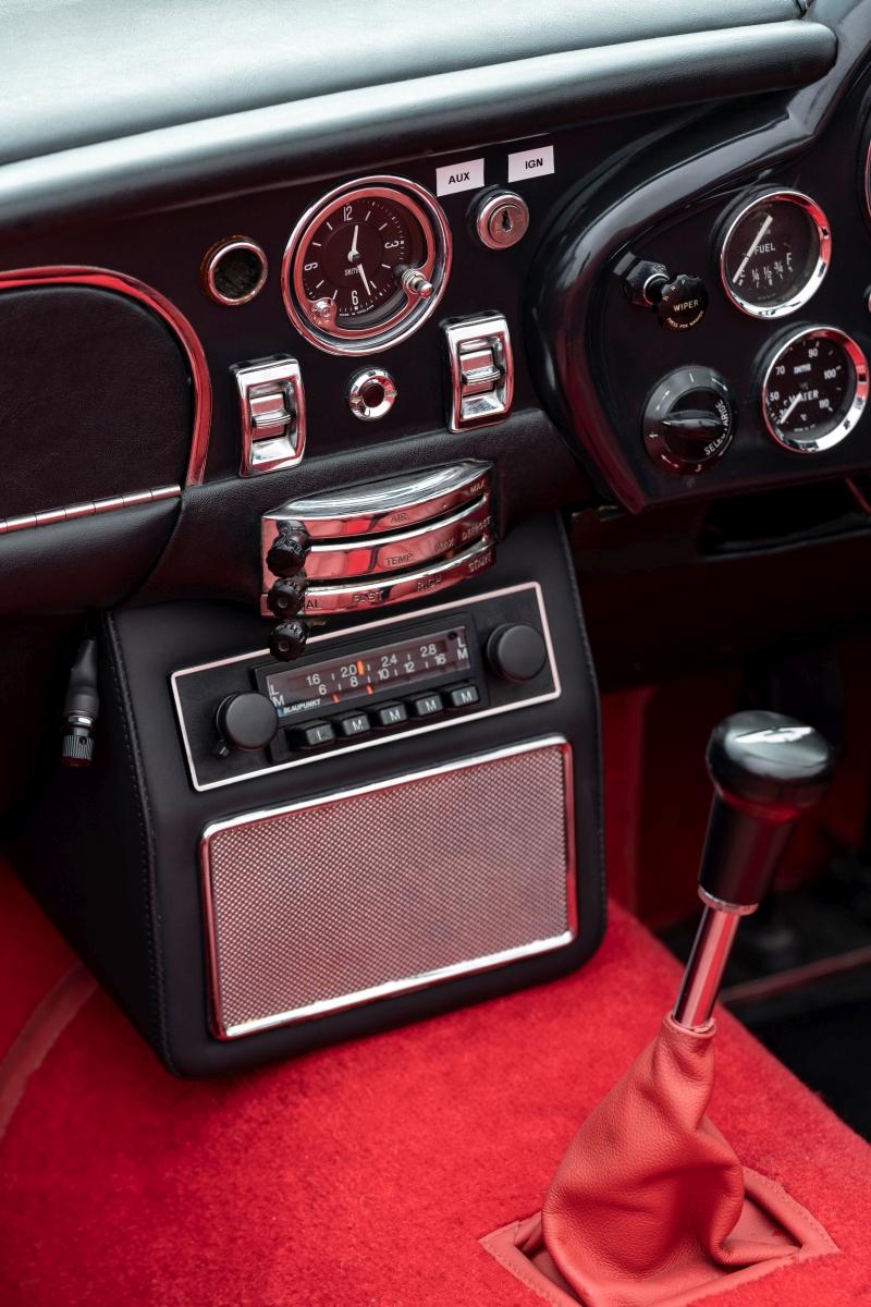 Aston Martin DB6 MkII Volante EV