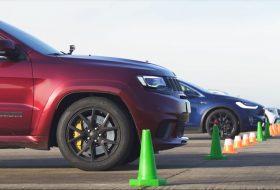 carwow, glc 63, grand cherokee, gyorsulási verseny, mercedes-amg, p100d, tesla model x, trackhawk, új jeep