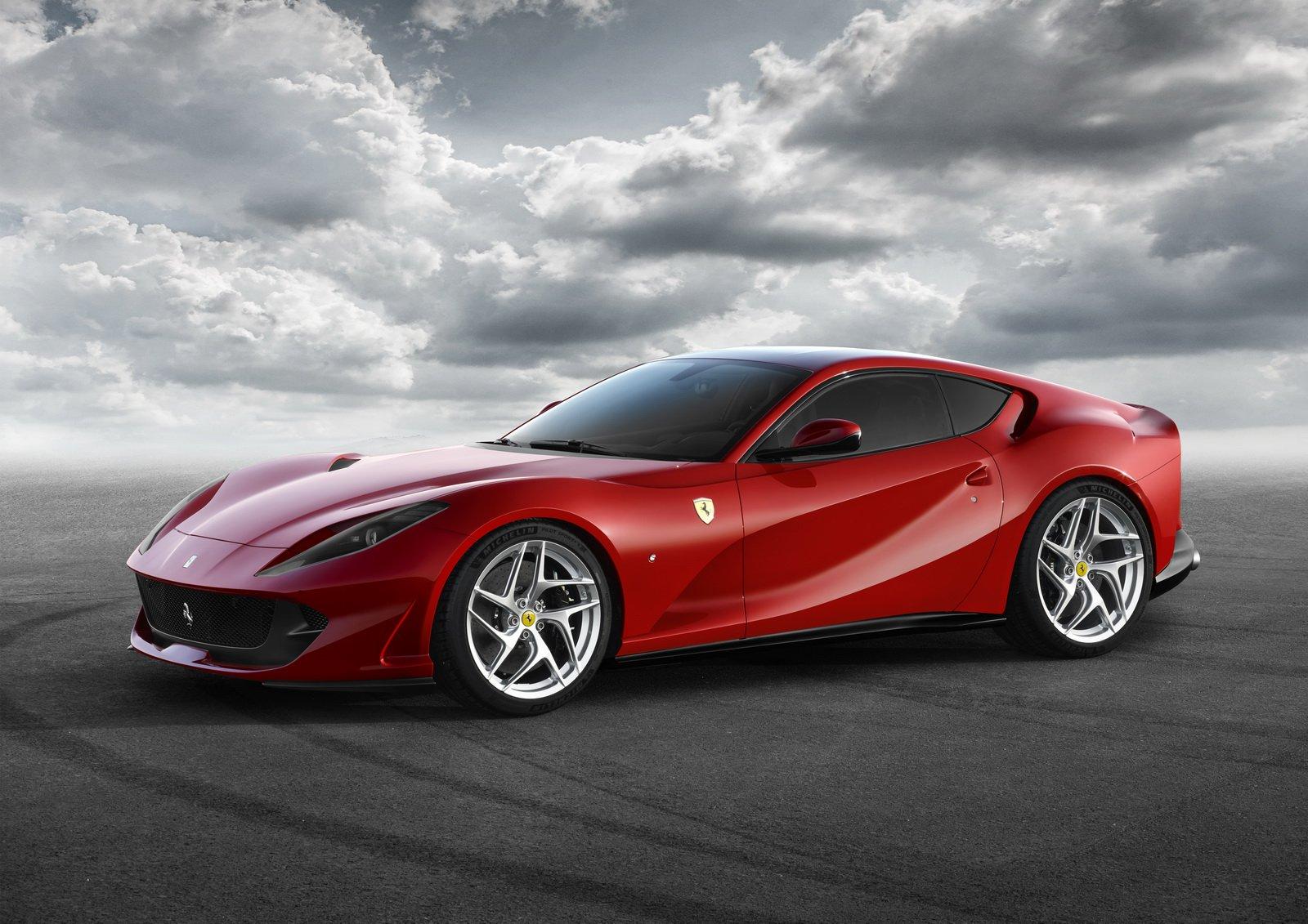 Ferrari V12 motor GTC4Lusso és 812 Superfast