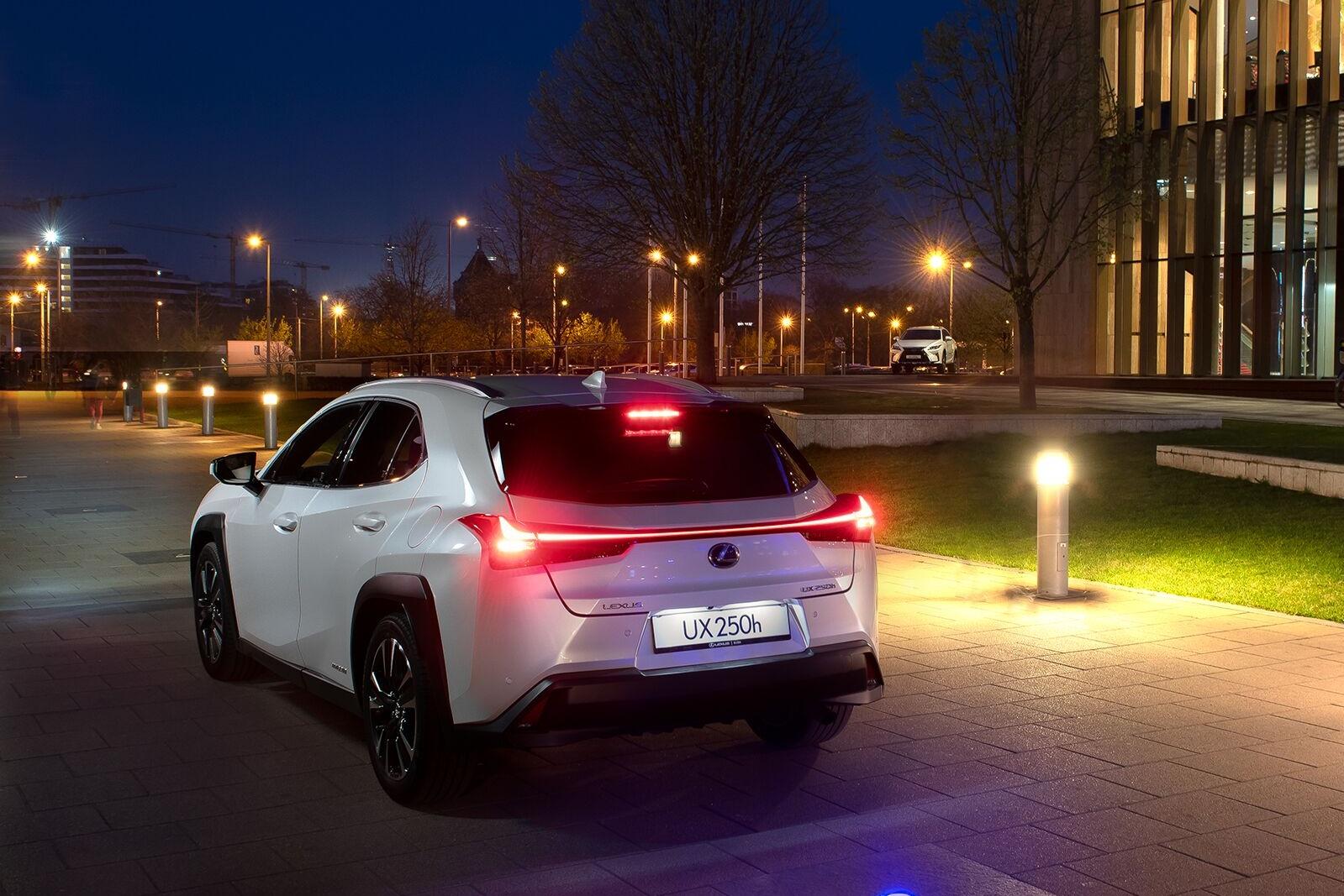 Weisz Fanni a Lexus UX márkanagykövete