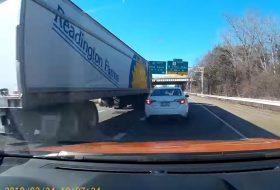 amerika, autópálya, balesetveszély, kamion, pov video, toyota corolla