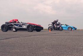 720s spider, ariel atom, autocar, autós videó, gyorsulási verseny, mclaren 720s, s1000rr, új bmw