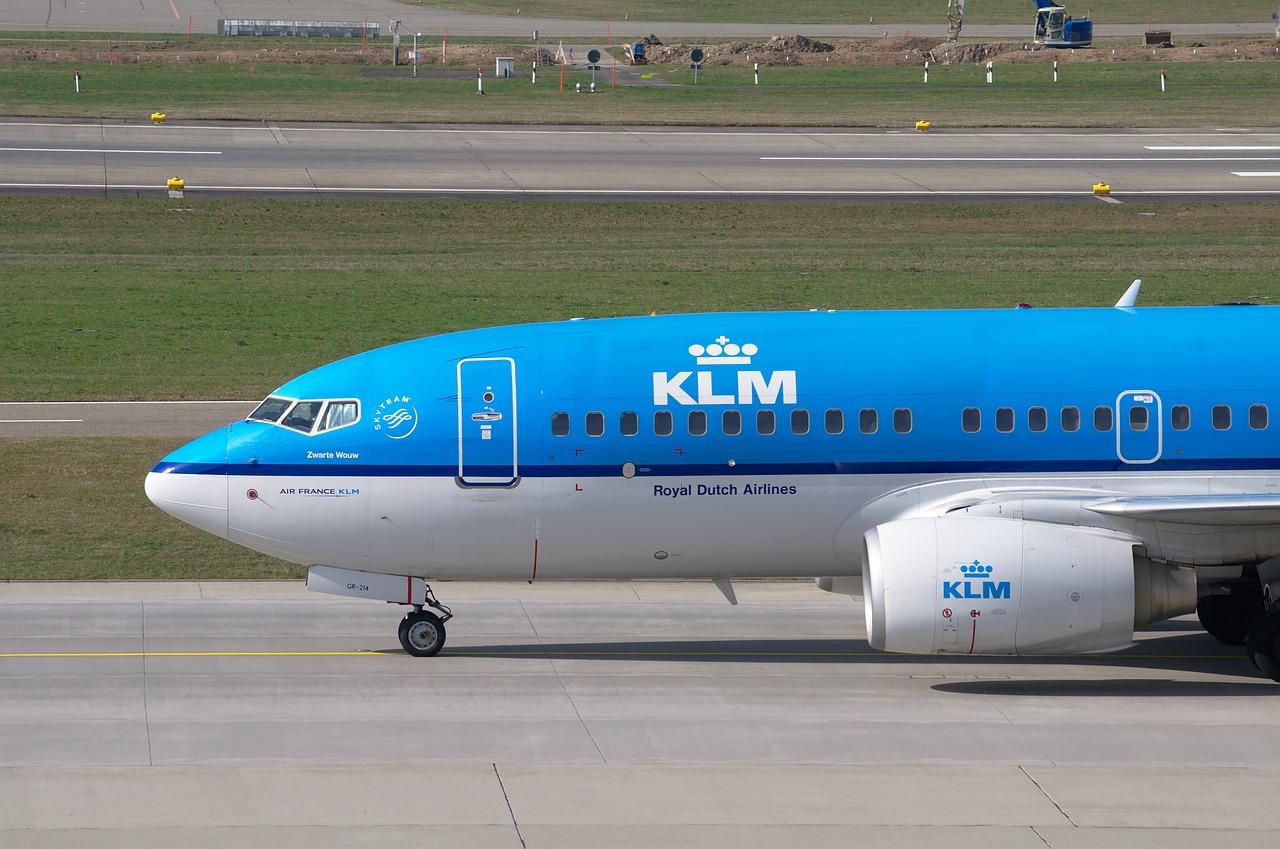 aircraft-2160451_1280