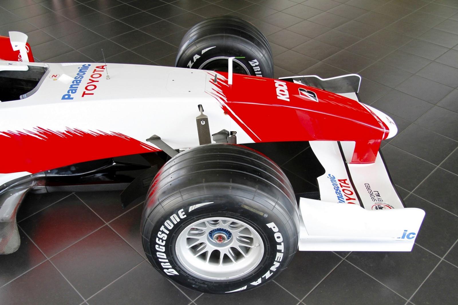 2004 Toyota TF104