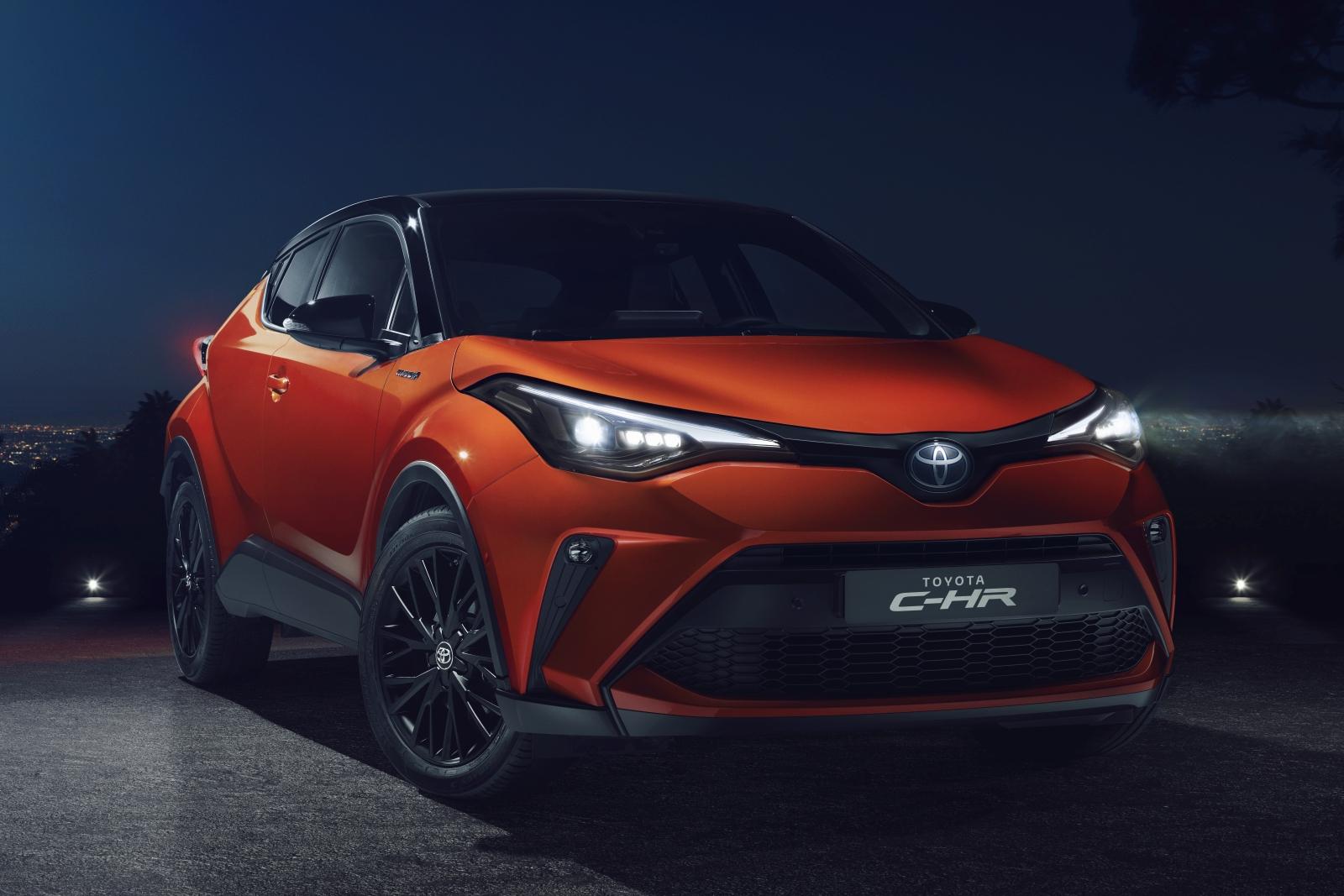 Megújult Toyota C-HR