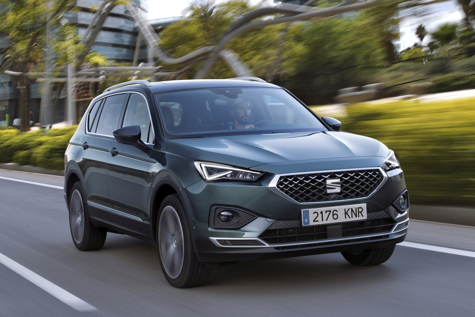 SEAT-expands-Tarraco-line-up-with-15-litre-TSI-DSG-Front-wheel-drive-option_01_HQ