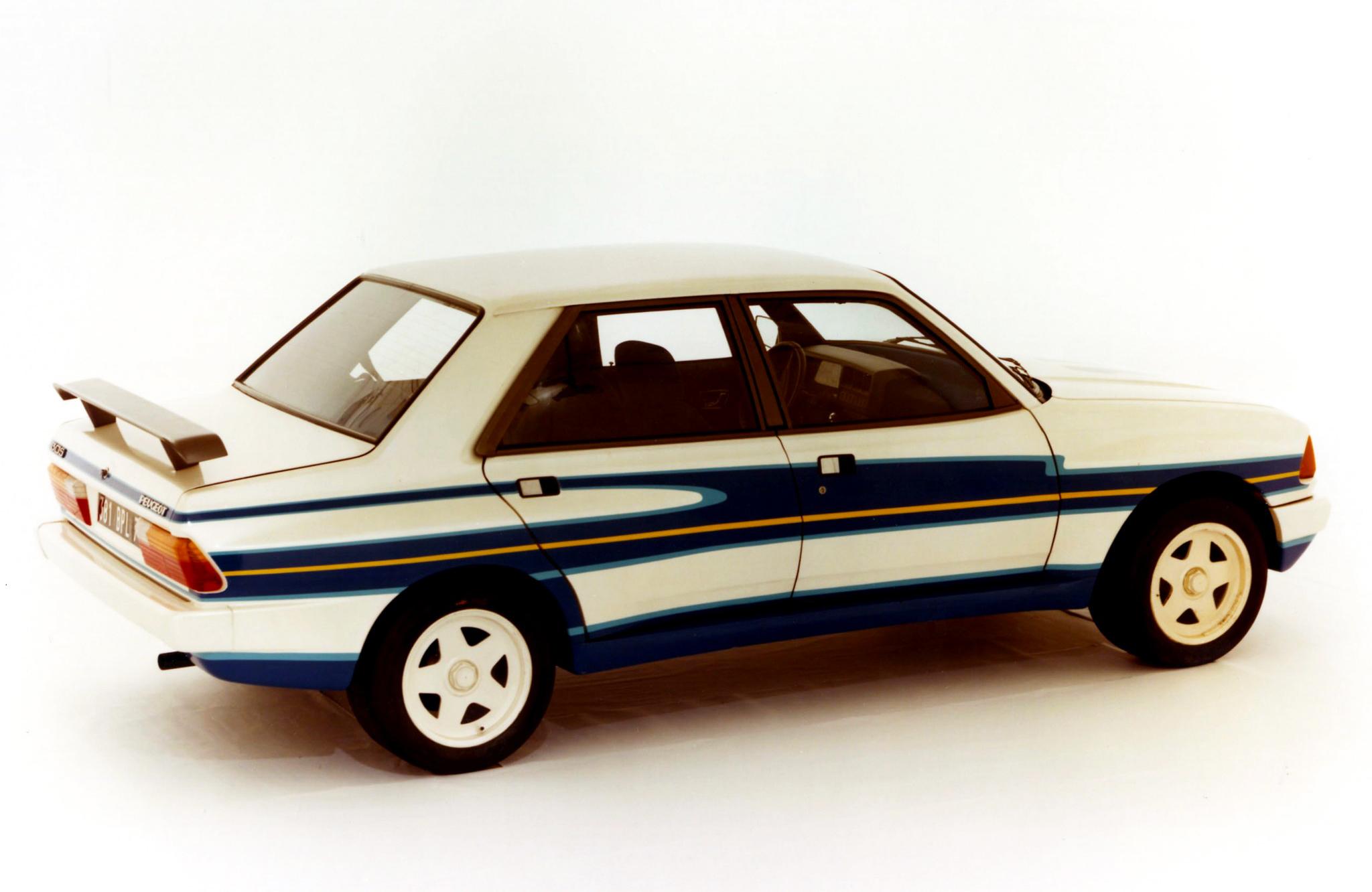 peugeot_305_rallye_v6_prototype_2