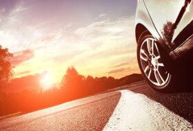 abroncs, eső, forgalom, guminyomás, közlekedés, műszaki állapot