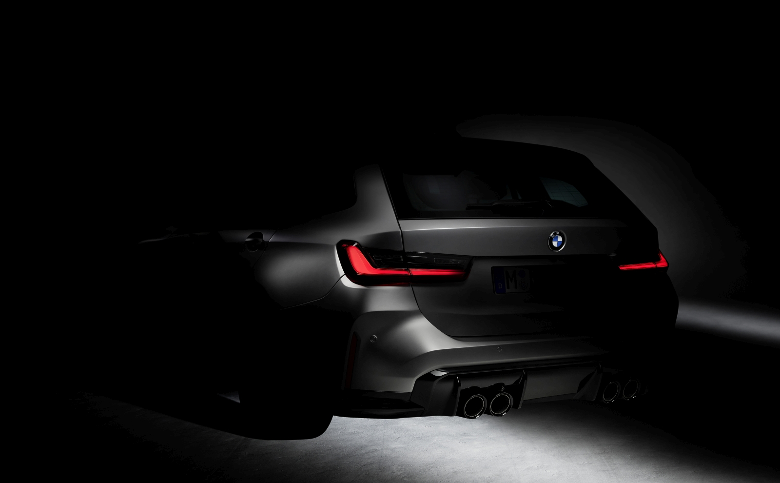 P90396108_highRes_the-first-bmw-m3-tou