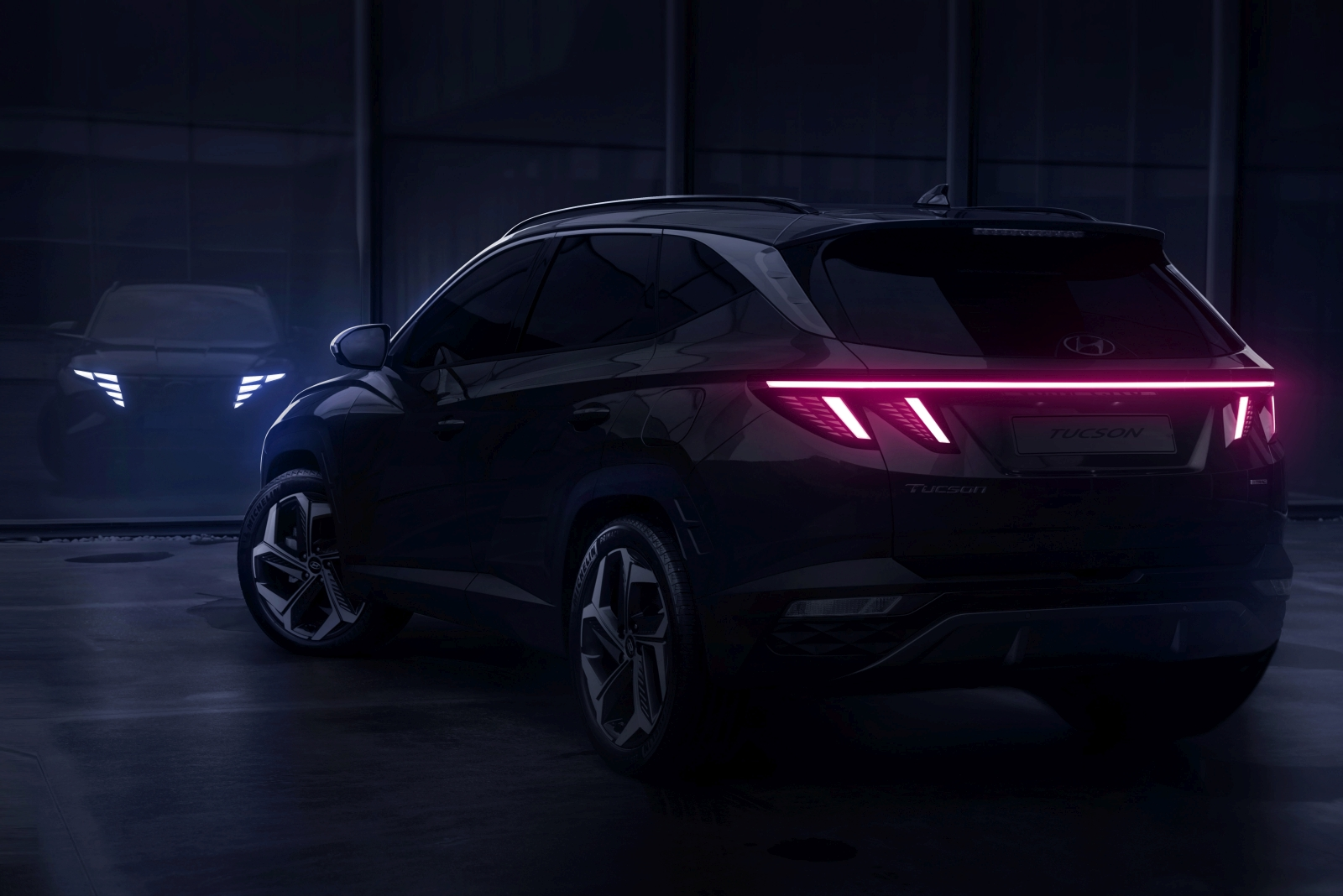 hyundai-tucson-adds-revolutionary-redesign-02