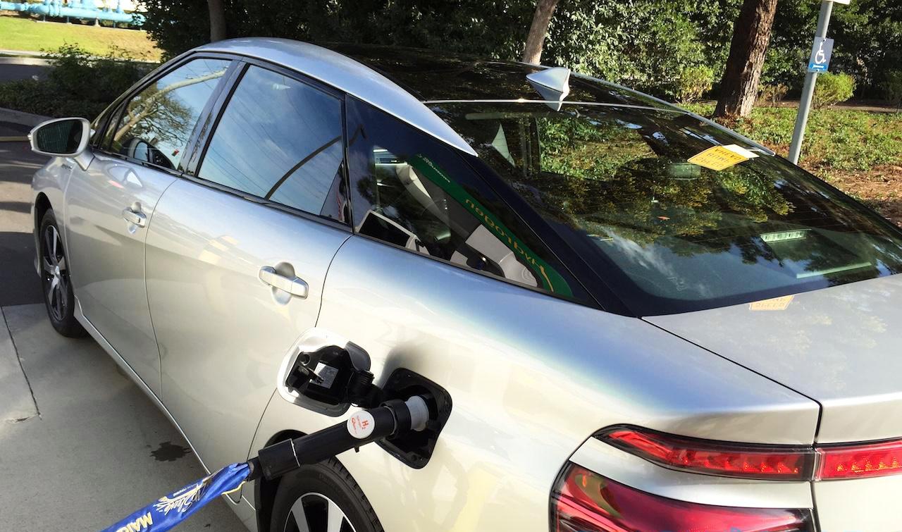 Toyota üzemanyagtöltő drón
