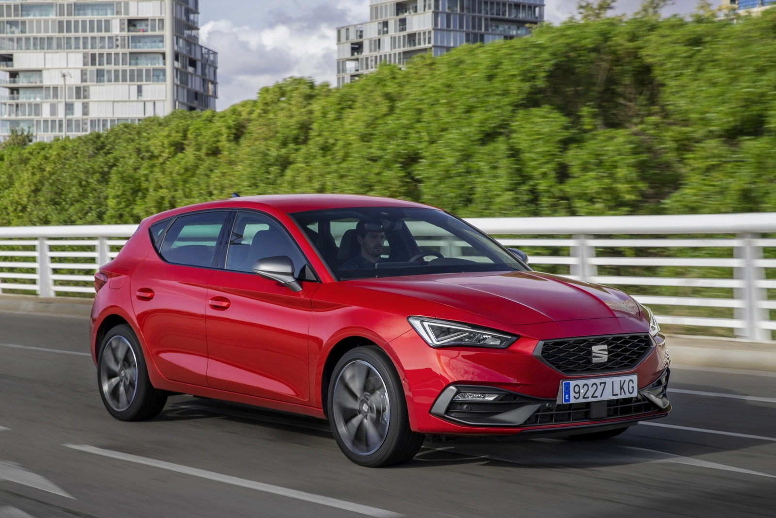 All-new-SEAT-Leon-achieves-five-star-rating-in-the-new-and-stricter-Euro-NCAP-safety-test_01_HQ