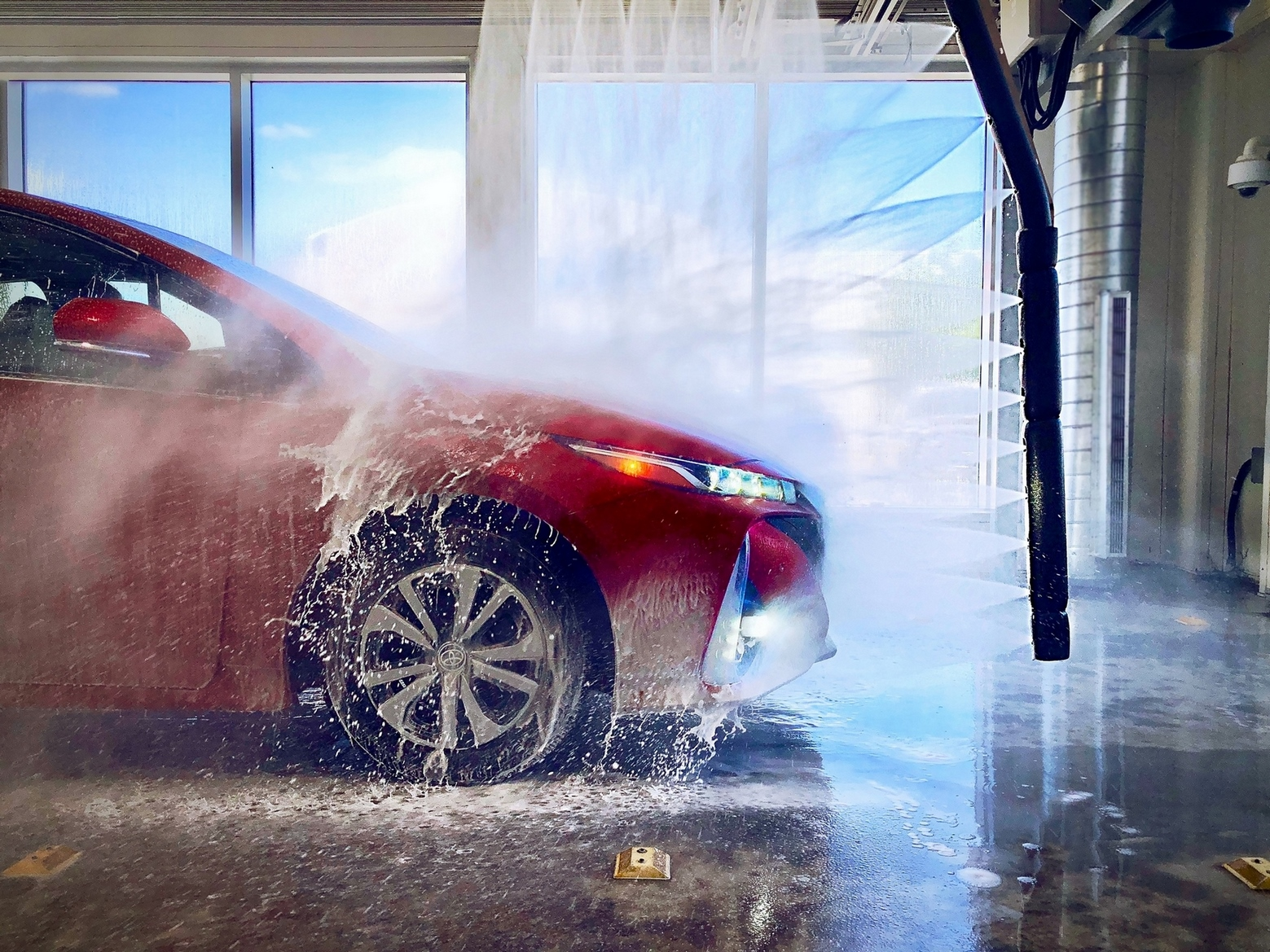 touchless-car-wash-with-prius-prime