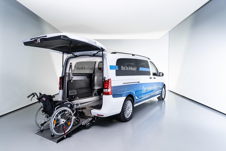 eVito Tourer mit Umbau zur Beförderung von Rollstuhlfahrern