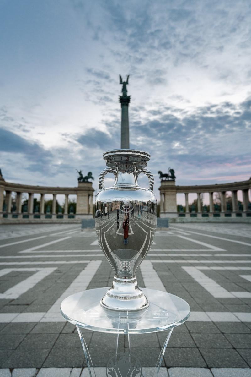uefa_euro_2020_trophy_tour_-_budapest_1