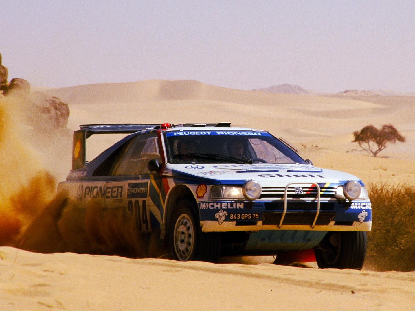 Ari Vatanen és a Peugeot 405 T16