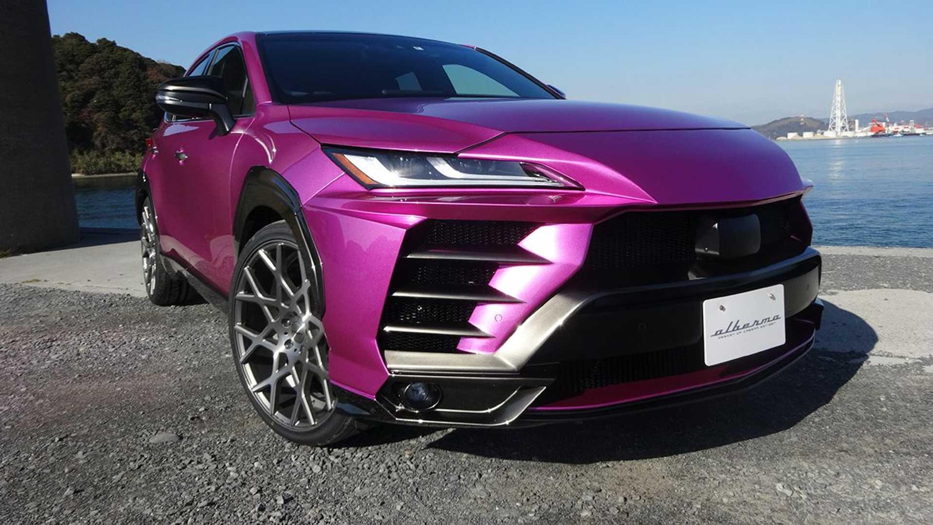 Toyota Venza Lamborghini Urus csomaggal