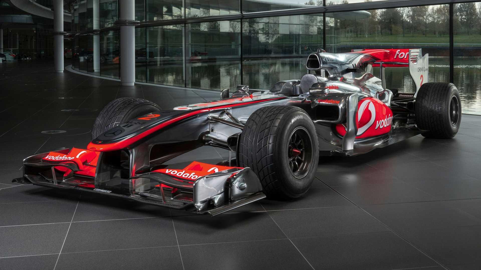 McLaren MP4-25A 01 Lewis Hamilton