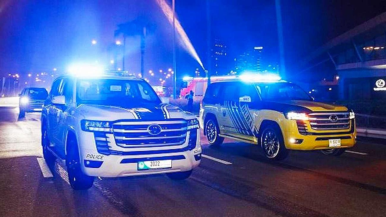 2022-toyota-land-cruiser-300-dubai-police-04