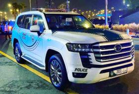 dubaj, land cruiser, land cruiser 300, rendőrség, toyota